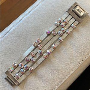 HEET ✨ Gold metallic Crystal Bracelet